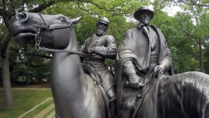 monument Robert E. Lee si Thomas Stonewall Jackson